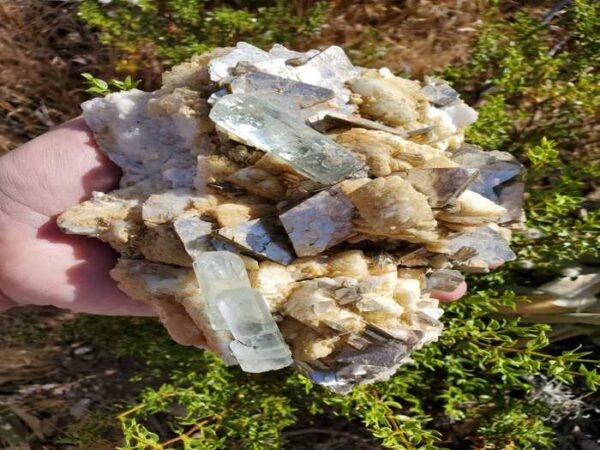 Aquamarine Muscovite & Mica